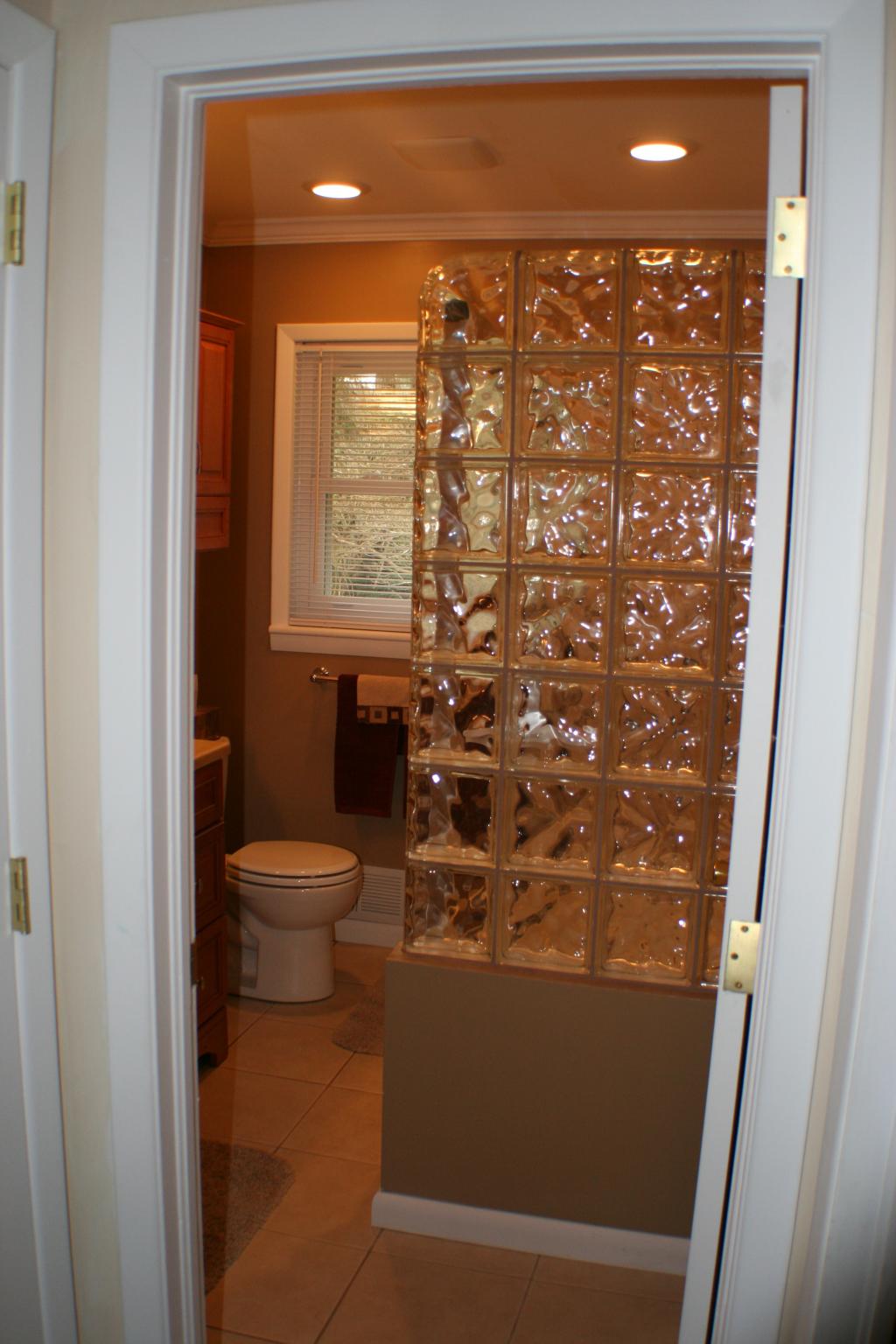 godefroid-hall-bathroom-6