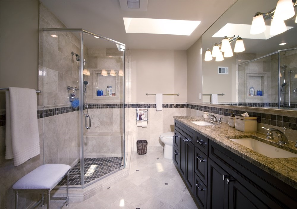 gray-porcelain-tile-with-tan-granite