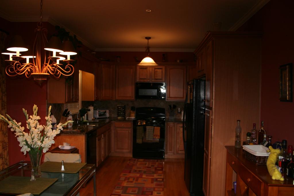 couch-kitchen