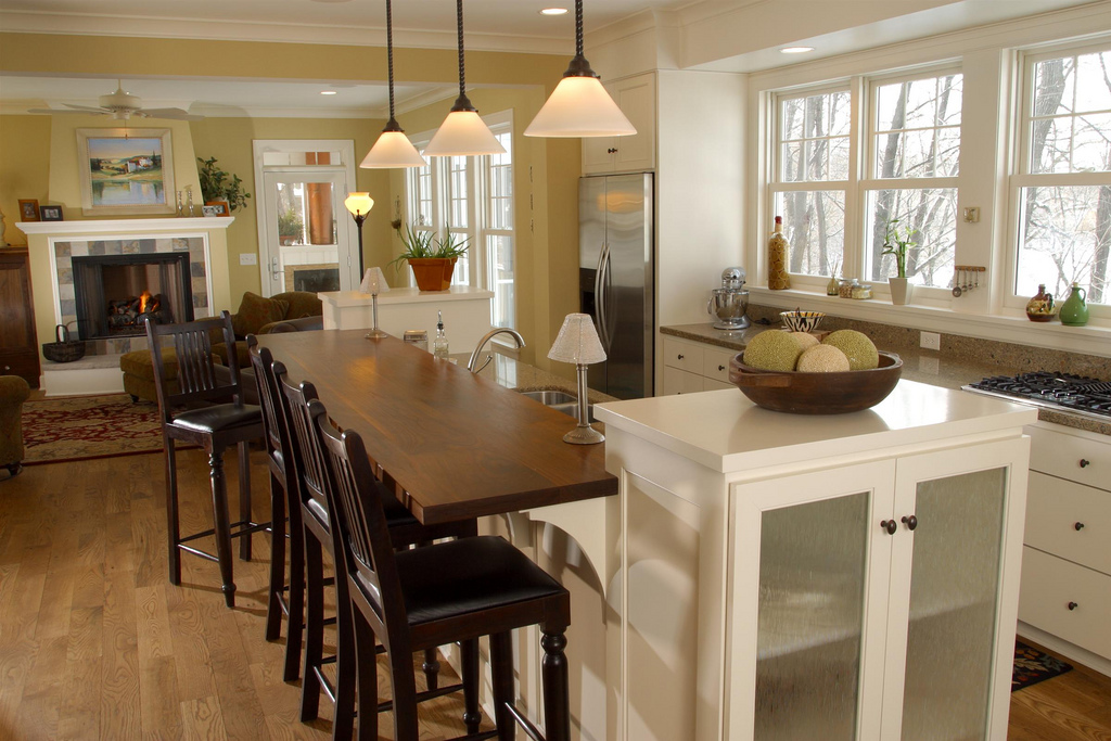 white-cabinets-with-island
