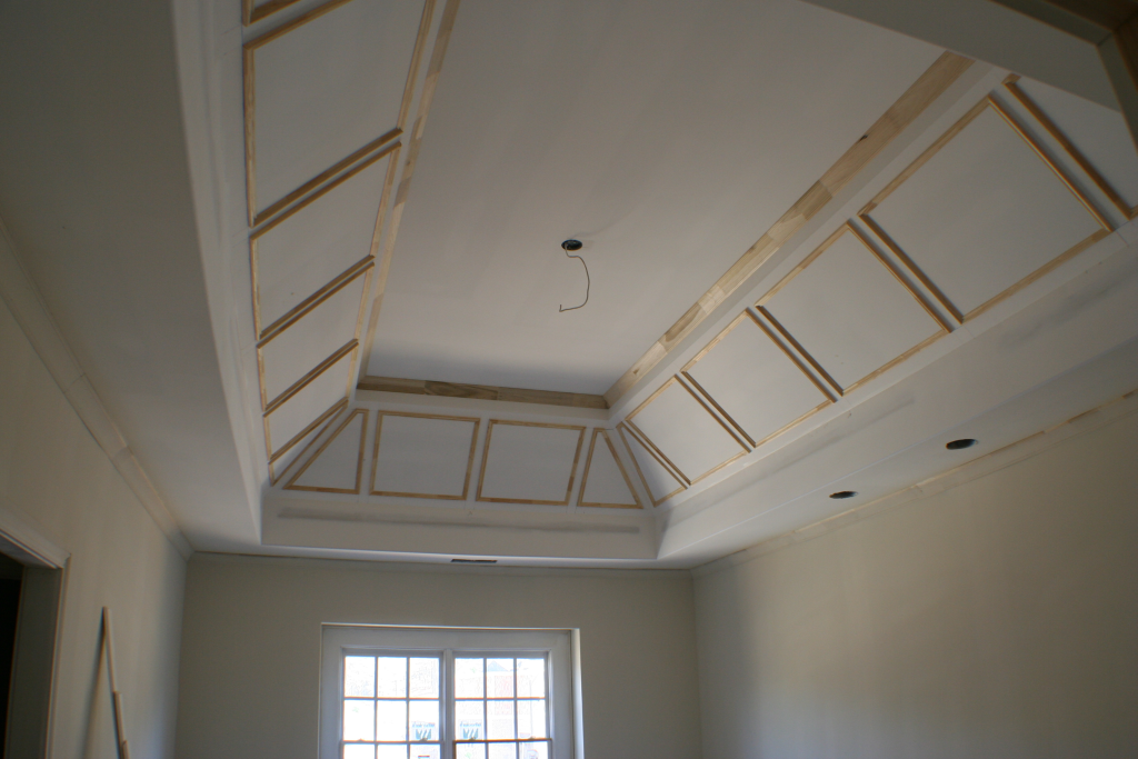 vaulted-cathedral-ceiling-crown-and-wainscot